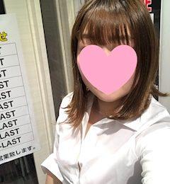 新橋キャバクラ【an_an(アンアン)】100%現役女子大生ラウンジ もも プロフィール写真